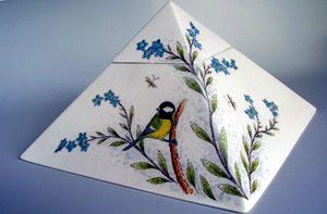 Hand Painted Pyramid Bluebird Urn